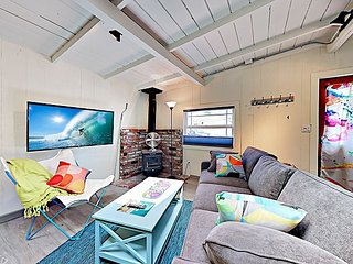Adorable & Airy Updated Beach Cottage w/ Patio, New Kitchen & Bathroom