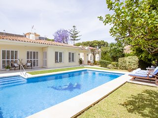 Marbella Beach 3 Bed Villa - Private, Spacious Walking Distance to Finest Beach