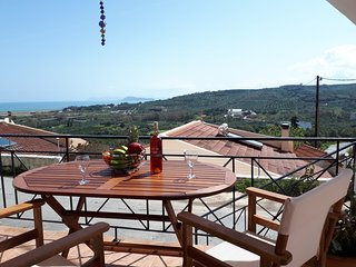 Elmanda colourful villa in west Chania near beach and village
