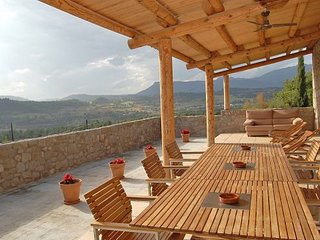 Gironella Villa Sleeps 7 with Pool and WiFi - 5622309