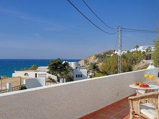 Platja del Paradis Villa Sleeps 6 with Pool and Air Con - 5740469
