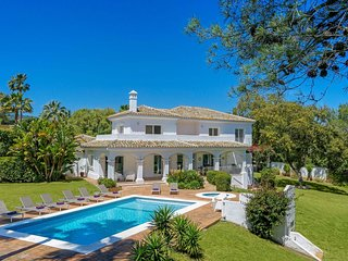 4 bedroom Villa with Pool, Air Con and WiFi - 5707906