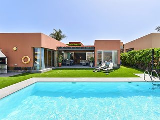 2 bedroom Villa with Pool, Air Con and WiFi - 5794671