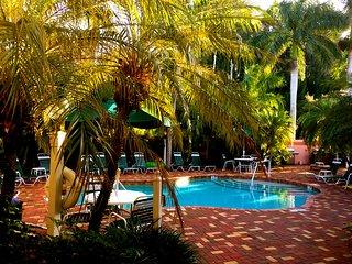 Siesta Palms at Siesta Key Inn-#1A Sabal Palm