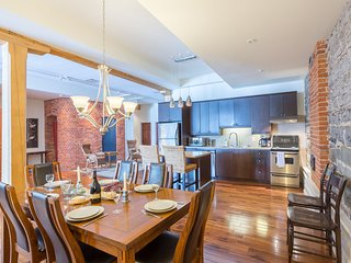 202-Champlain/Central Old Quebec 3 Bed-3 Bath Spacious Condo with View