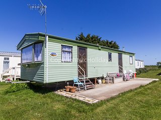 3 bed, 8 berth caravan for hire at St Osyth, Clacton-on-sea, Essex ref 28081FV