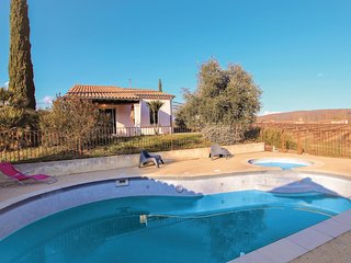 Amazing home in Valvignières w/ Outdoor swimming pool, WiFi and Outdoor swimmin