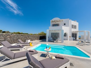 HEMERA HOLIDAY HOME FAMILY-FRIENDLY VILLA IN SANTORINI