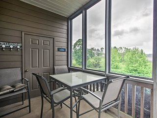 NEW! Huddleston Condo, Walk to Smith Mountain Lake