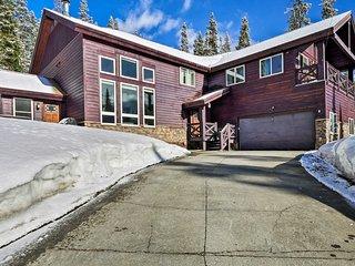 Breck Home w/ Hot Tub & Views, 9 Mi. to Resort!
