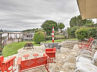 Lake Granbury Home w/ Gas Grill, Boat Tie & Patio!