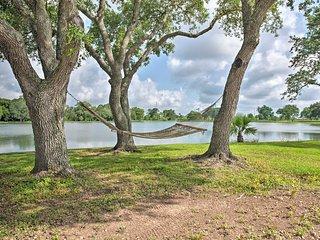 200-Acre Lakefront Ranch in Wallis w/Pvt Lake