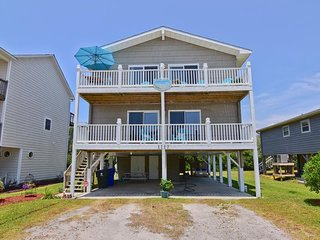 Beach Daze - Unbeatable SAVINGS!! Up $600 off  - Stunning 4 Bedroom with Ocean V