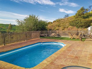 Nice home in Villanueva de la Conce w/ Outdoor swimming pool, WiFi and Outdoor s