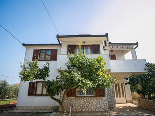 One bedroom apartment Slatine (Čiovo) (A-17341-b)