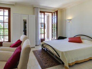 Les Lecques Holiday Home Sleeps 4 with Air Con and Free WiFi - 5794134