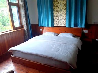 Snow Peaks Cottage in Kullu