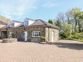 FISHER GRANARY, electric fire, 4 bedrooms, Lampeter