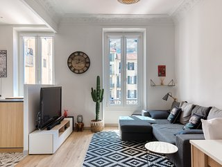 Beautiful modern two-room apartment with balcony!