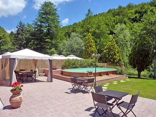 Fascinating Medieval Inn on the Pistoia Area with Pool and 4 bedrooms en Suite