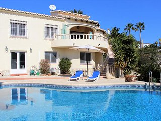 Stunning 4 Bedroom 4 Bathroom Villa with Sea Views and Pool Table