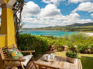 Spiaggia Bianca - Apartment for 5 in complex with pool and sea view, Sardinia, I