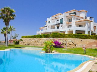 Lovely Balcon Del Mar Apartment with great sea views sleeps up to 6 people.