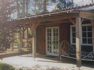 Romantische,Rustieke ruime Lodge  voor 4 pers op de grens Dordogne en Charente