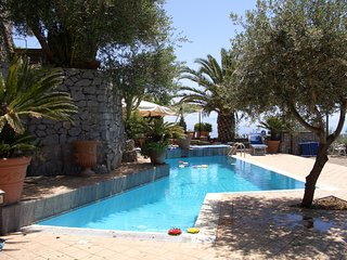 2 bedroom Apartment with Pool, Air Con and WiFi - 5248259