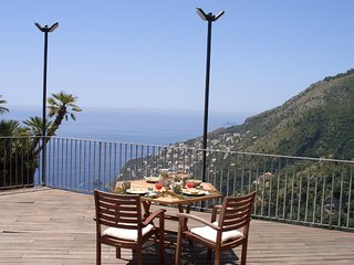 Furore Apartment Sleeps 4 with Pool Air Con and WiFi - 5248259