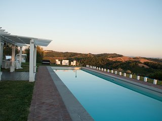 9 bedroom Villa with Pool, Air Con and WiFi - 5247752