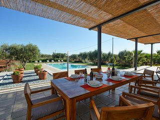 Salignano Villa Sleeps 8 with Pool Air Con and WiFi - 5702655