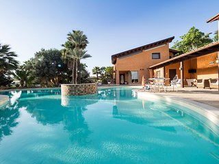 Agrigento Villa Sleeps 10 with Pool Air Con and WiFi - 5312300