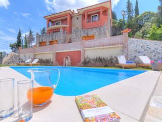 Children friendly Villa with Pool & Gym close to Beach & Yacht Marina