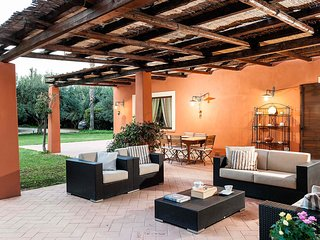 L'Addolorata Villa Sleeps 10 with Pool Air Con and WiFi - 5674158