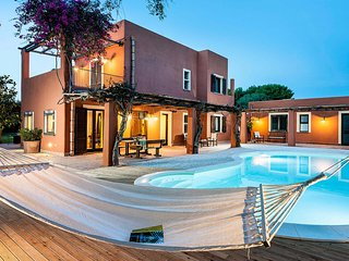L'Addolorata Villa Sleeps 8 with Pool Air Con and WiFi - 5673830