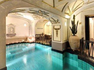 Positano Villa Sleeps 10 with Pool Air Con and WiFi - 5248319