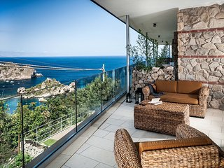Taormina Apartment Sleeps 4 with Pool Air Con and WiFi - 5247322