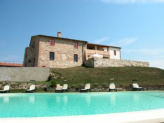 Asciano Apartment Sleeps 6 with Pool and WiFi - 5247556
