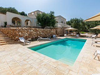Traghetto Villa Sleeps 24 with Pool Air Con and WiFi - 5695672