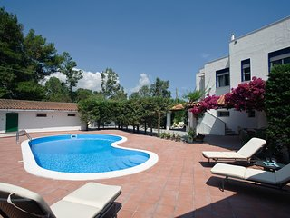 Galice Villa Sleeps 8 with Pool Air Con and WiFi - 5247354