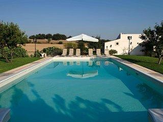 Castelluccio Villa Sleeps 7 with Pool Air Con and WiFi - 5247460