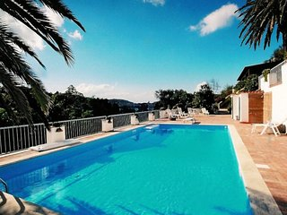 5 bedroom Villa with Air Con, WiFi and Walk to Beach & Shops - 5248295