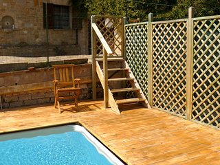 Paterno Villa Sleeps 9 with Pool and WiFi - 5247945