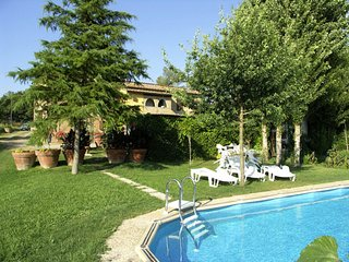 Lucignano d'Arbia Villa Sleeps 13 with Pool and WiFi - 5247794