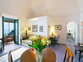 Positano Apartment Sleeps 3 with Air Con and WiFi - 5248312