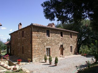 Castel del Piano Villa Sleeps 15 with Pool and WiFi - 5247656
