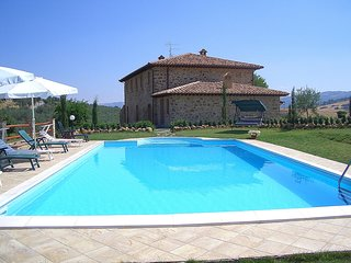 Castel del Piano Villa Sleeps 16 with Pool and WiFi - 5247915