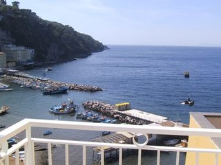 Sorrento Apartment Sleeps 4 with Pool and WiFi - 5639290