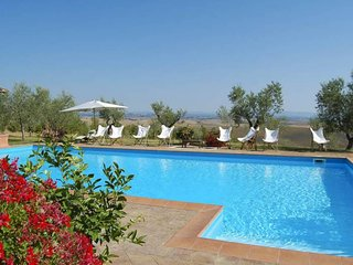 Ville di Corsano Villa Sleeps 14 with Pool Air Con and WiFi - 5758514